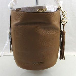 New $378 Michael Kors Brooke Medium Bucket